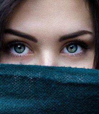 Jakie cienie do powiek dla brunetki