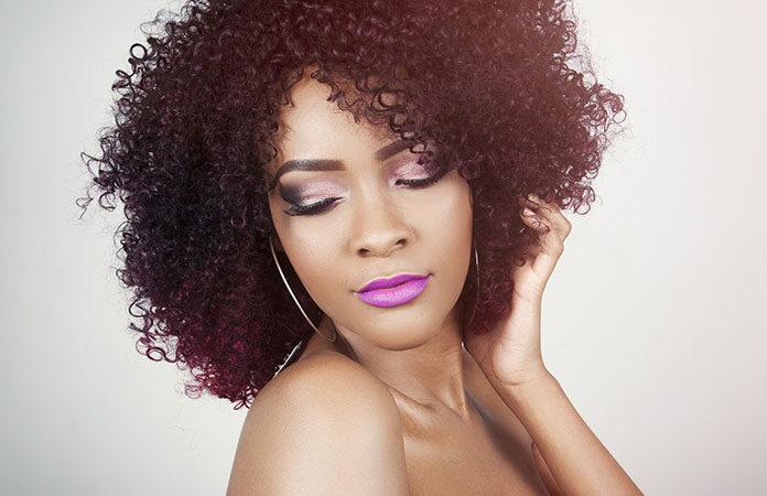 pielęgnacja puszących się włosów